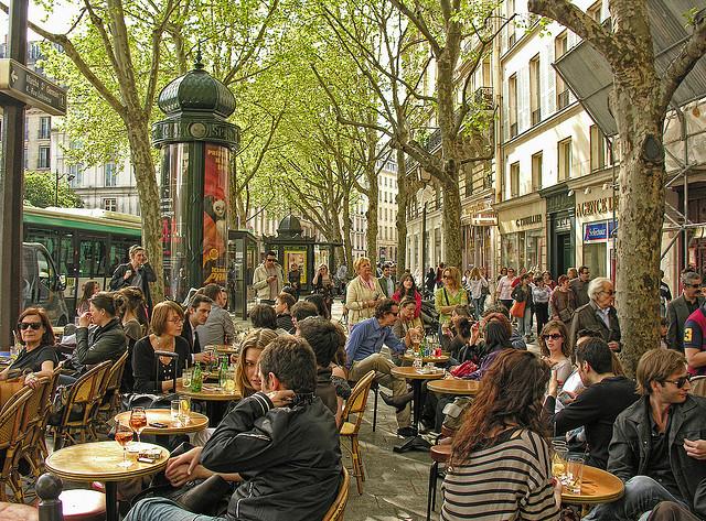 Café de la Mairie. Full of people.