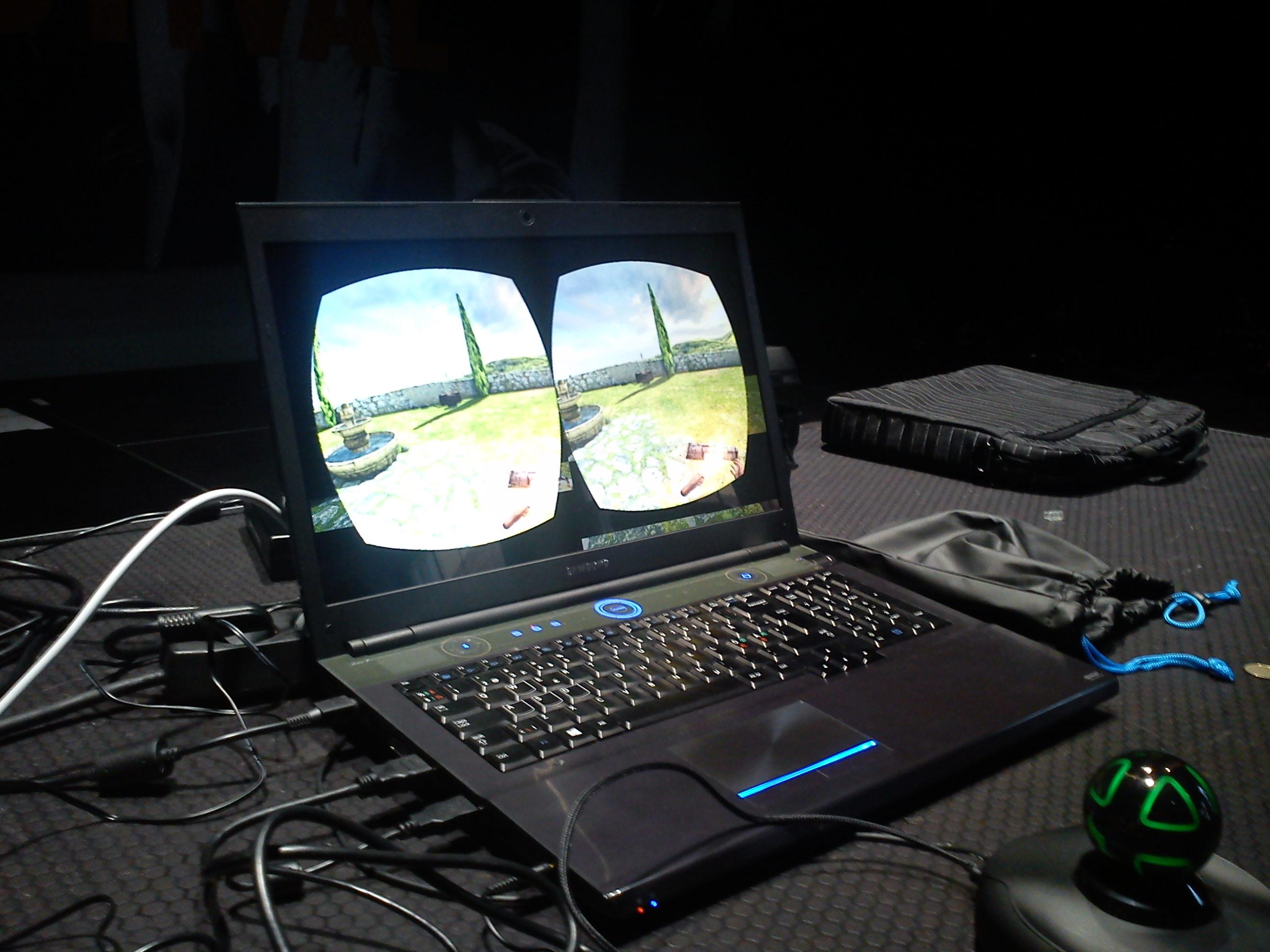 Oculus Rift, her kunne ein sjå kva brukaren såg som var to litt forskjellige bilete på augene for å etablere ein dybdekjensle.