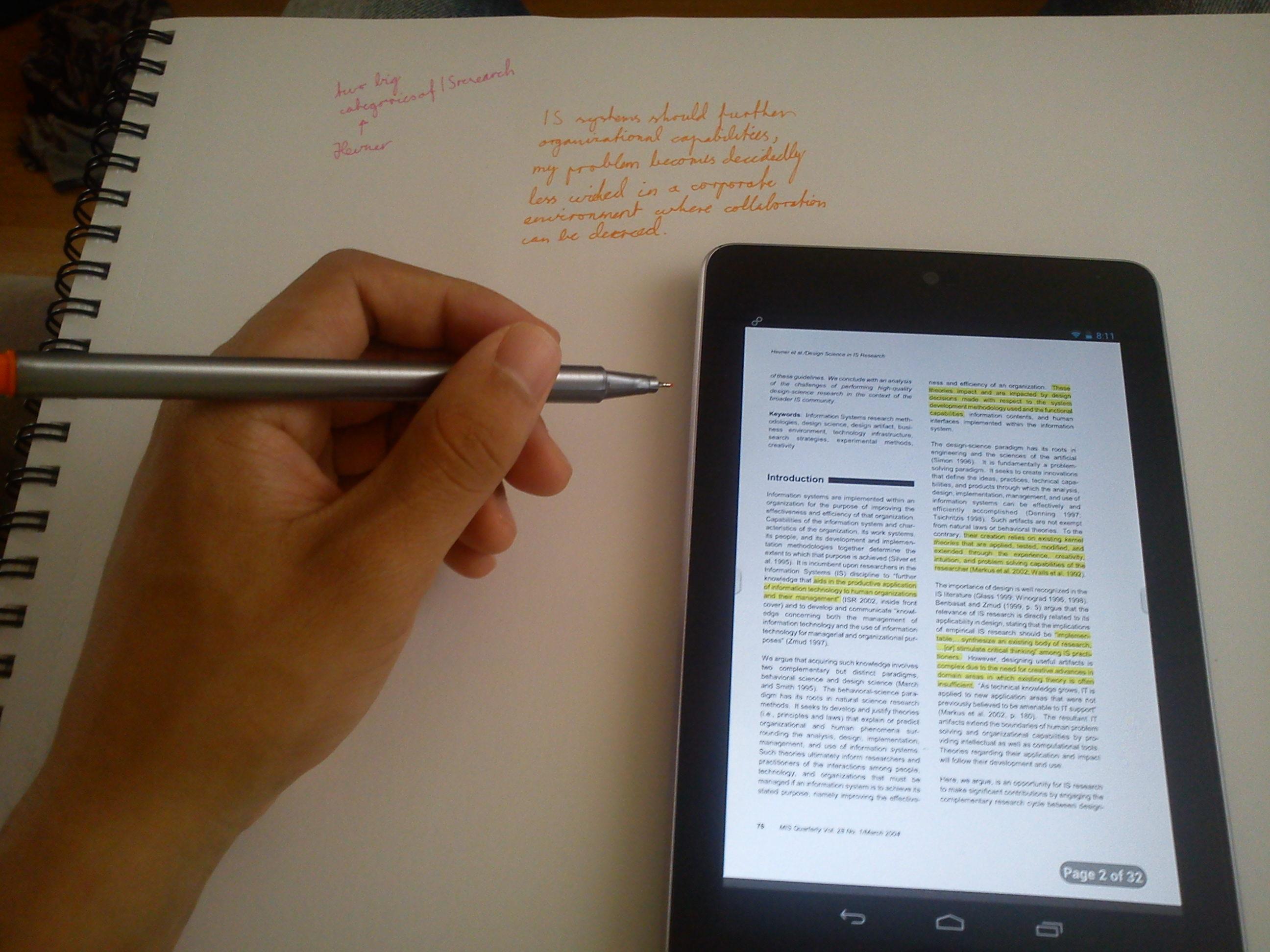 Leser artikler og drømmer om å skape ting. :)